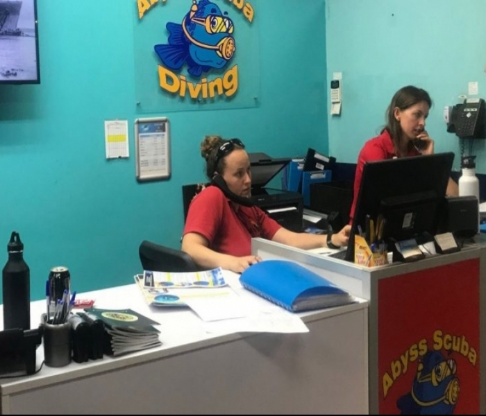 Why A Dive Centre Should Use Padi's Eve