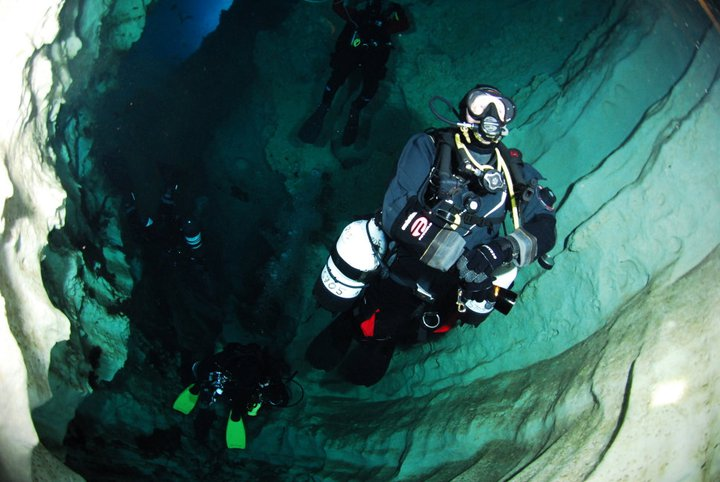Cave Diving Training – What's It All About